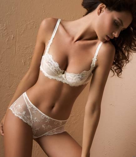 Фото девушек - Sexy bra for a beautiful girl 149