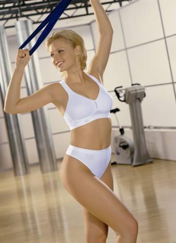 Фото девушек - Девушка в эротичном белом нижнем белье