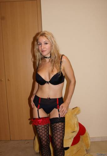 Фото девушек - Amateur photo girls skinny-housewife-looking-sexy